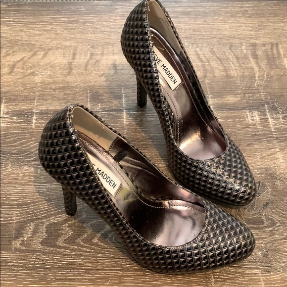 Steve Madden Shoes - Steve Madden Ronni Textured Patent Leather Pump
